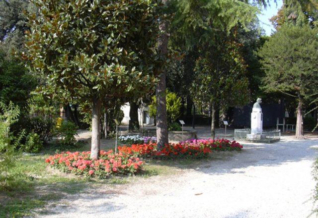 giardino casa pascoli
