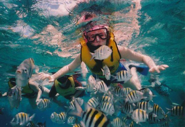 snorkeling_in_mar